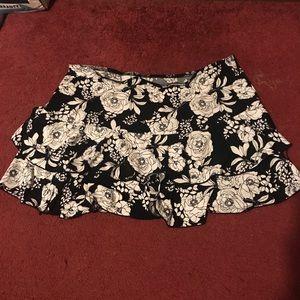 Dresses & Skirts - 💕3/$6 Floral ruffled skirt